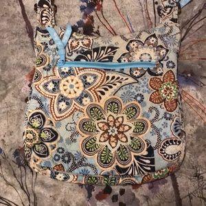 🆕 VERA BRADLEY crossbody purse